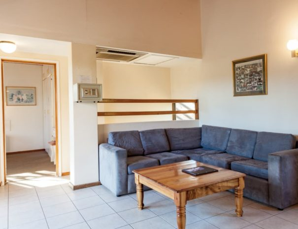 Lounge Josmont Heights 1 bedroom (1)